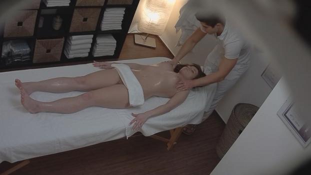 Czechav.com- Brunette came for a massage 6