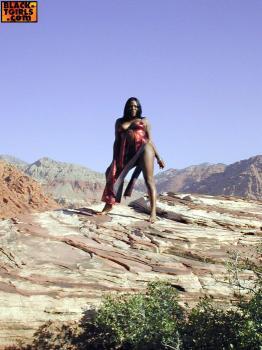 Black-tgirls.com- Naya Strokes Outdoors!