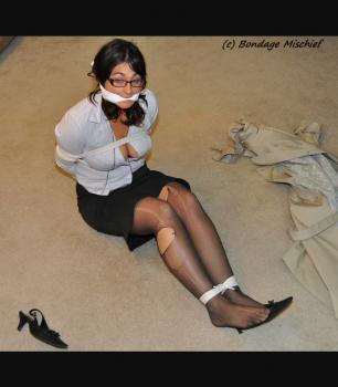 Bondagemischief_com- Jeri Taylor Surprise Attack.zip