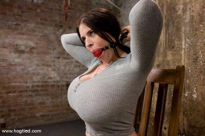 Kink.com - Welcom back Daphne Rosen andher huge 34G breasts. Tits worth tying up!