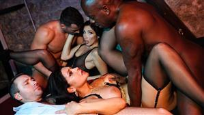 dorcelclub-20-06-15-clea-gaultier-and-mariska-orgy-french.jpg