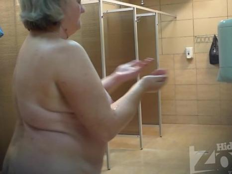 Hidden-Zone.com- Sh1095# Thick old woman shakes big tits and shows all in front of our hidden camera. On the fan -