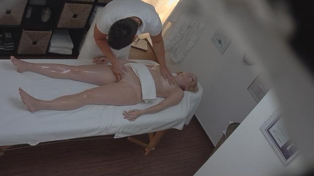 Czechav.com- 18 yo on a massage