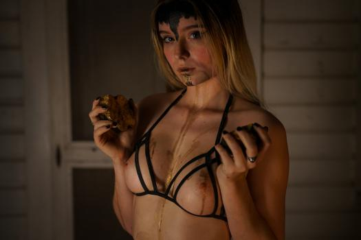 Bentbox.co- Leah - Halloween Special (TWO BOXES FOR THE PRICE OF ONE LIMITED TIME DURING CONTEST)