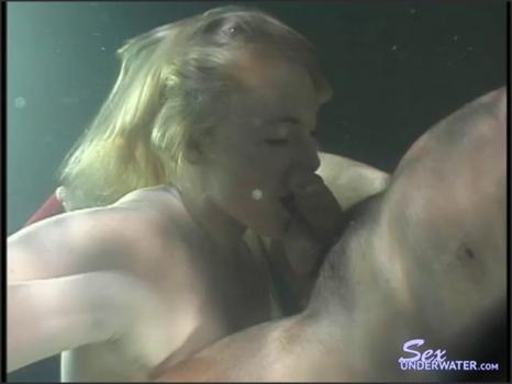 Sexunderwater.com- Blowfish no. 2
