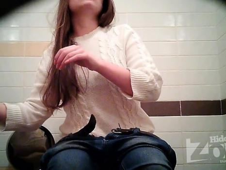 Hidden-Zone.com- Wc1800# Beauty in a white sweater and jeans. She piss sitting down. Great view from the front girl