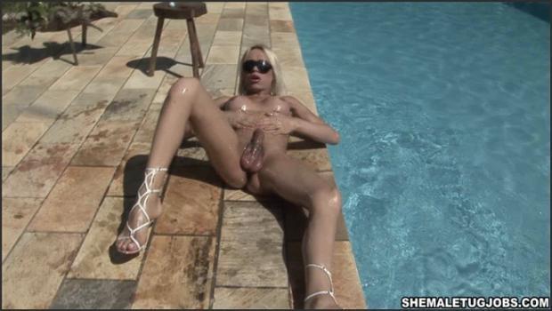 Shemax.com- Sunny Day Pool
