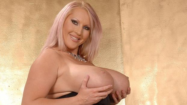 DDFBusty.com- Laura M is always welcome being the