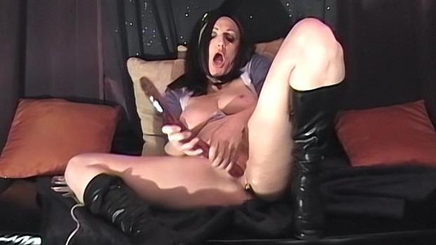 Homegrownvideo.com- Sexy Over 40 Mom Plays With Her Toys