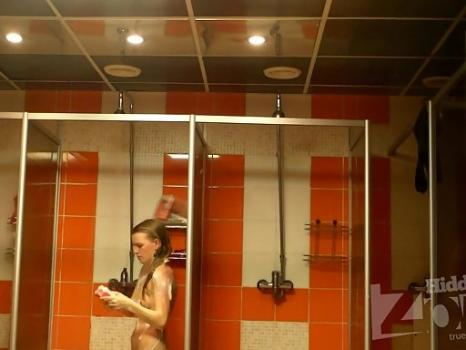 Hidden-Zone.com- Sh1198# Girls and women take a shower after the pool. They are washed directly across from our hid