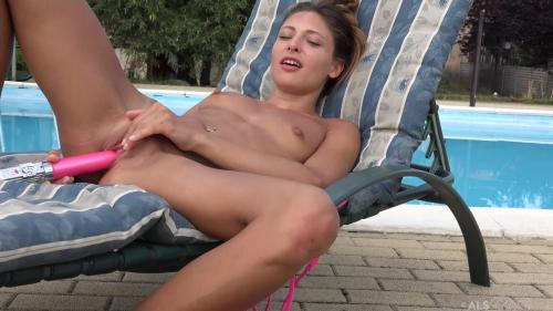 ALSScan 18 10 13 Talia Mint Ginas Pet XXX 1080p MP4-KTR