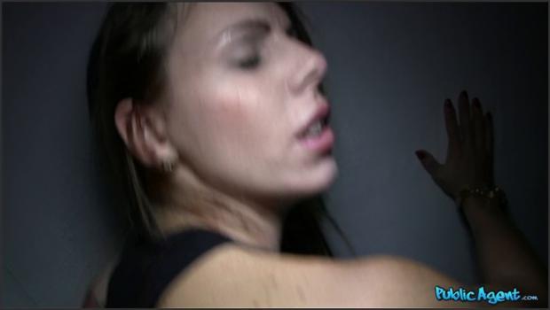 Fakehub.com- Hot Brunette Sucks Dick for Cash