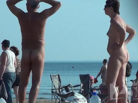 Hidden-Zone.com- Nu1357# Lots of tits and cunts - it_s a nudist beach! Wonderful views_beautiful women - what coul