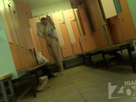 Hidden-Zone.com- Lo1461# Hidden camera in the pool locker room. Young beauty wiped off after a shower. Our camerama