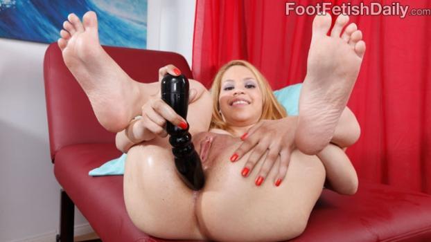 Footfetishdaily.com- Mae Olsen Masturbation