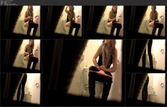 Amatori tyalet - Sexy-girl-in-the-bathroom