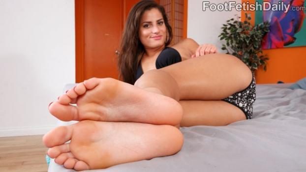 Footfetishdaily.com- Meet Chi Chi Medina