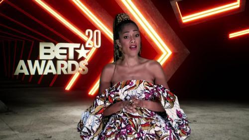 153257823_bet-awards-2020-1080p-web-h264-crimson_03.jpg