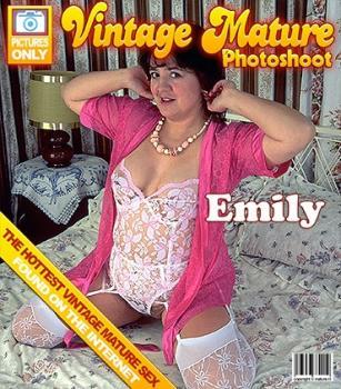 Mature.nl- Emily O. (40)