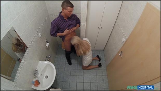 Fakehub.com- Nurse sucks dick for sperm sample