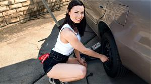 rkdupes-20-06-30-rotating-her-tires.jpg