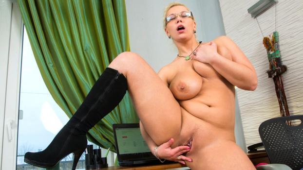 Anilos.com- Curvy Busty Babe