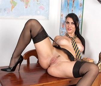 Vfacademy.com- Rox M - My boobies in trouble!