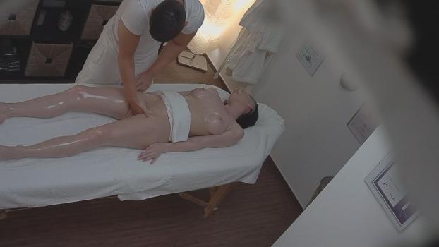Czechav.com- Happy ending massage