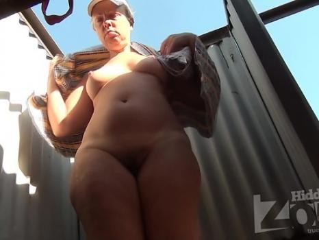 Hidden-Zone.com- Bc1891# Woman undresses and disguises swimsuit. Our cameraman filmed close-up of her hairy pussy.