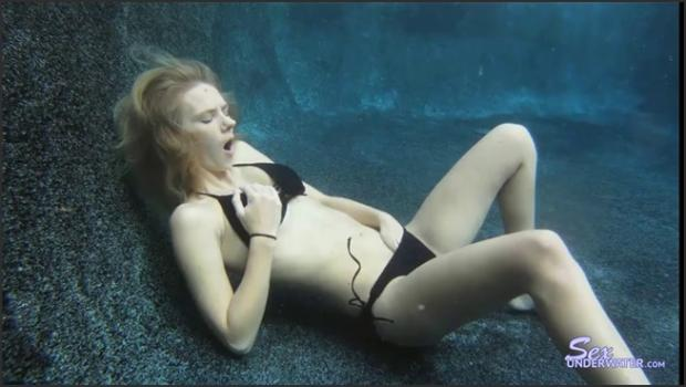 Sexunderwater.com- Too Much Fun