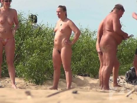 Hidden-Zone.com- Nu1689# Company nudist sunbathing and talking about their affairs. Naked women are very beautiful