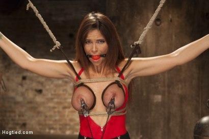 Kink.com- Big Tit MILF Syren de Mer Gets It Just the Way She Likes It-Syren de Mer