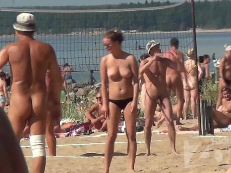 Hidden-Zone.com- Nu1727# Nudists playing volleyball. Our cameraman filmed them on a hidden camera. Excellent footag