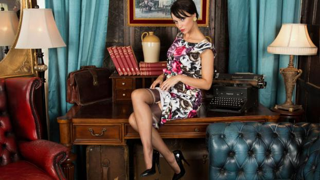 Vintageflash.com- Tracy Rose - By any other name...