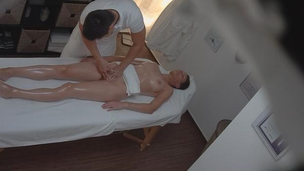 Czechav.com- Busty brunette fucks the masseuse 2