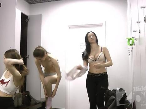 Hidden-Zone.com- Lo1716# The girls filled the locker room. They do not know that we hid there a hidden camera. Watch