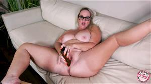 mrssiren-20-07-10-new-move-new-monster-dildo.jpg