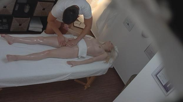 Czechav.com- Blonde fucks the masseuse 2