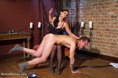 Kink.com- Goodbye Parker London: A Divine farewell administered by Phoenix Fucking Marie!
