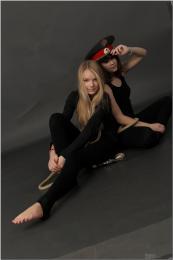 [Image: 154622558_madison_u_model_blackleggings_...tv_096.jpg]