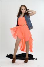 [Image: 154636586_madison_u_model_orangedress_te...tv_054.jpg]