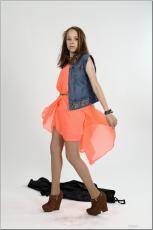 [Image: 154636636_madison_u_model_orangedress_te...tv_071.jpg]