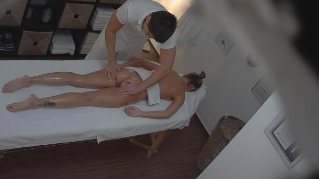 Czechav.com- Veronika Fasterova gets an erotic massage