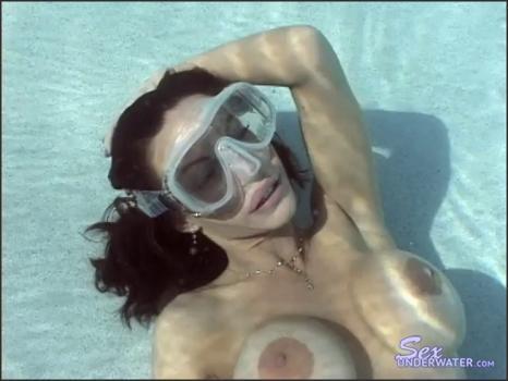 Sexunderwater.com- Sara Ashley - Sexy Breath Holding