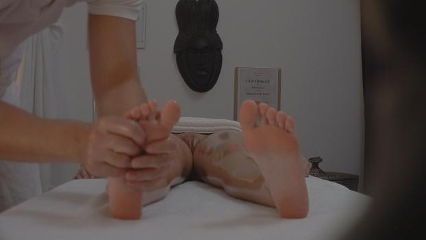 Czechav.com- Brunette came for a massage 2