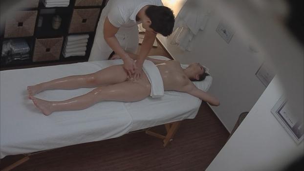 Czechav.com- Brunette came for a massage 4